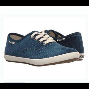 Taos Guest Star Blue Corduroy Shoes Size 8.5